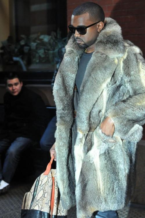 Kanye-West_pelliccia