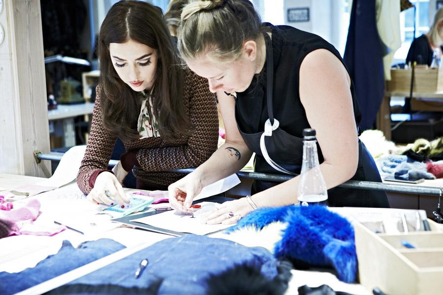 Lady Fur durante il workshop con il team della Saga Furs
