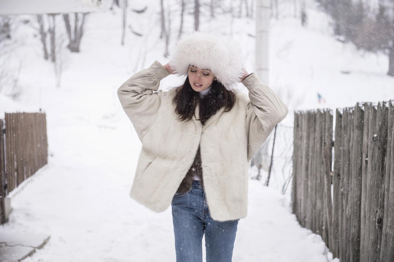 lady fur pelliccia bianca